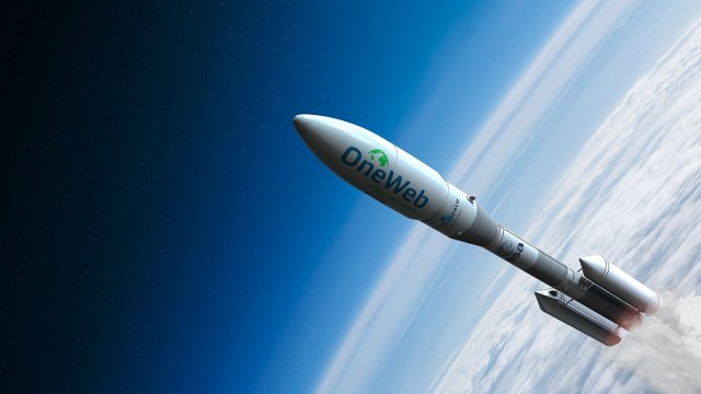 Airbus and OneWeb team up to put 5G on planes