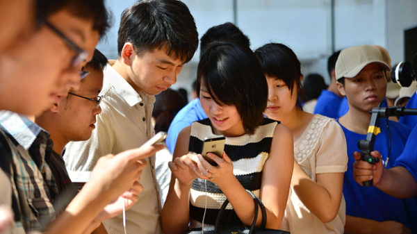 In China, mobile usage will overtake TV this year, according to eMarketer