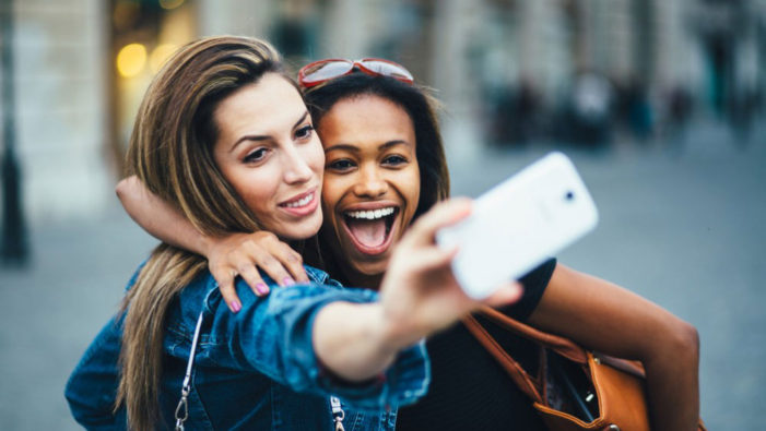 eMarketer: Snapchat in UK 'to overtake Facebook among 18-24-year-olds this year'
