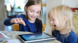 Pre-school game apps target children with ads, says C.S. Mott Children's Hospital