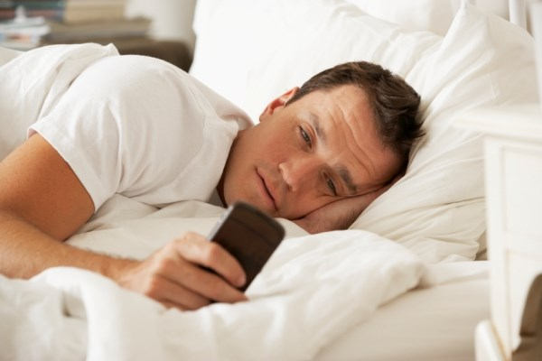 SMS Global: Four out of five smartphone users check their phones within 15-minutes of waking up