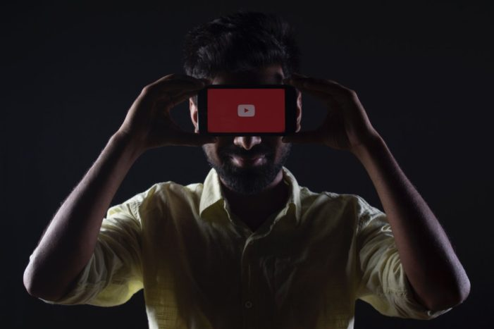 Rise of mobile drives advertisers to invest $30bn in online video despite ongoing risks